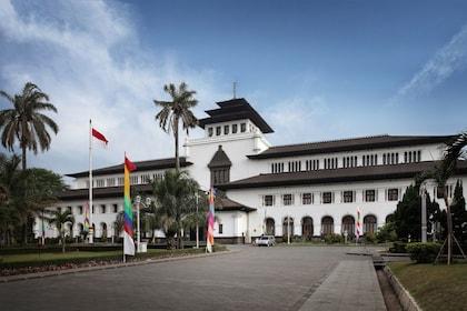 Gedung Sate, Bandung_shutterstock_128878420 SR.jpg