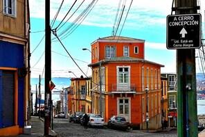 Coast Trip to Valparaiso and Viña del Mar from Santiago