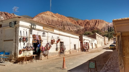 18. CALLE DE PURMAMAMARCA - JUJUY - ARGENTINA - Agencia Tiamar Travel EVT Salta - Argentina.jpg