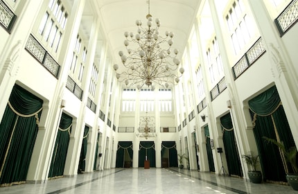 Gedung Sate, inside_shutterstock_14491996.jpg