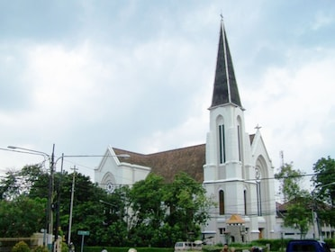 Cathedral of St Peter in Bandung.PNG