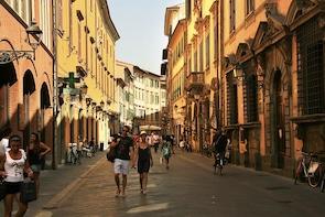 Pisa Walking Tour - A 2-hour Off-The-Beaten-Path city tour