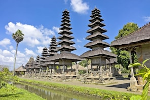 Bali Famous Temple Tour with Sunset View