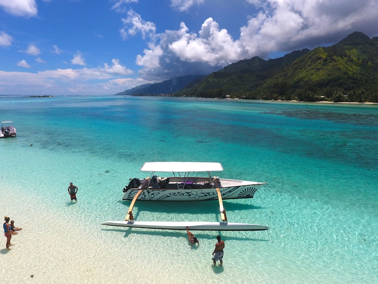 Moorea Intimate Snorkeling & Water Lunch Tour