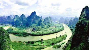 Mini Group: One-Day Yangshuo and Li River Highlights Tour