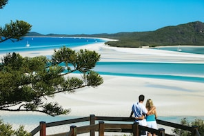 Hill Inlet at Whitehaven Beach Tour