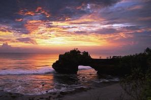 Bali Tanah Lot Temple Sunset Tour (Half Day)