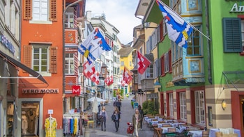 Discover Zurich with a Local in 60 Minutes