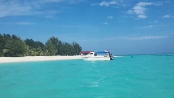 Malaysia Mengalum Island Day Tour