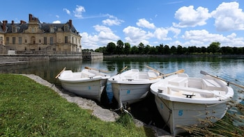 Day Trip to Fontainebleau, Paris