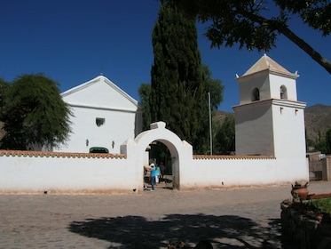 Iglesia de Uquia - Jujuy - Argentina - Agencia Tiamar Travel EVT Salta 1.JPG
