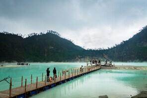 Bandung:Kawah Putih,Patenggang Lake&Cibaduyut Shopping Tour