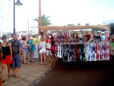 playa-blanca-street-market-and-free-time-e79b718f-d.jpg