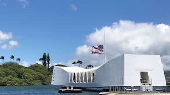 Pearl Harbor Tour & Free Honolulu City Tour