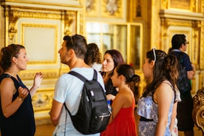 Skip-the-line Palace of Versailles Guided Tour in French