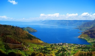 One day tour to explore brastagi High land & lake Toba View