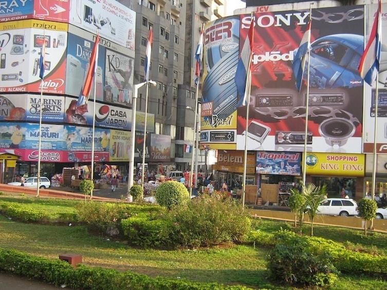 Cargar ítem 3 de 8. Shopping Tour in Paraguay from Foz do Iguaçu