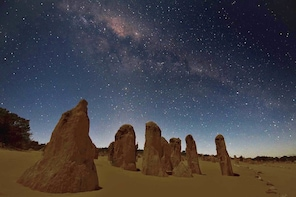 Private Pinnacles Tour: Sights, Sand-boarding & Stargazing