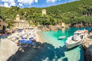 San Fruttuoso Bay: Half-Day Hiking Tour with Lunch