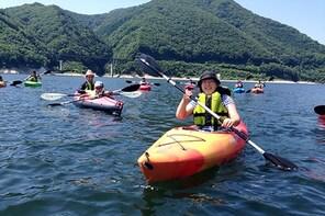 Kayaking tour on the peaceful waters of Moniwa lake