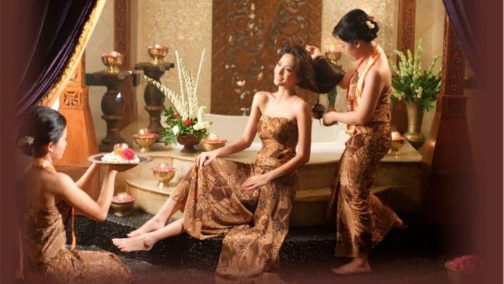 Show item 1 of 4. Yogyakarta Sari Royal Heritage Spa Healing Dinner