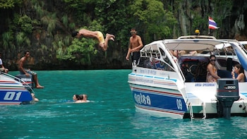 Snorkelling Phi Phi Islands Tour From Phi Phi by Speedboat