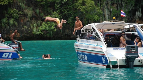 Snorkeling Phi Phi Islands Tour From Phi Phi by Speedboat