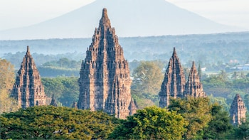 Yogyakarta: Prambanan Temple Sunset Half Day Private Tour