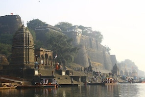 Maheshwar Fort and River banks temples from Bhopal