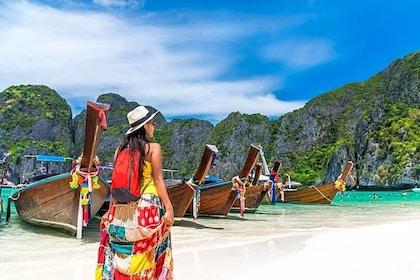 Phi Phi & Bamboo Island Speedboat Tour from Phuket –Full Day