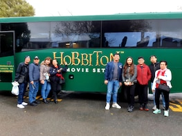 Hobbiton Express Small Group Tour from Auckland