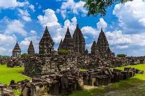 Borobudur Sunrise, Chicken Church & Taman Sari Private Tour