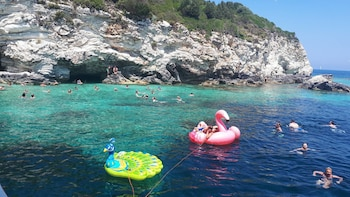 Full-Day Paxos - AntiPaxos Islands & Blue Caves
