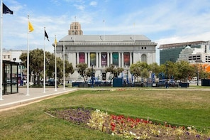 Skip the Line: Asian Art Museum General Admission Ticket