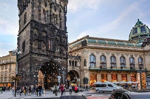 Private Transfer from Munich to Prague with 2 Sightseeing Stops of Your Cho...