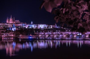 Private Transfer from Dresden to Prague with 2 Sightseeing stops