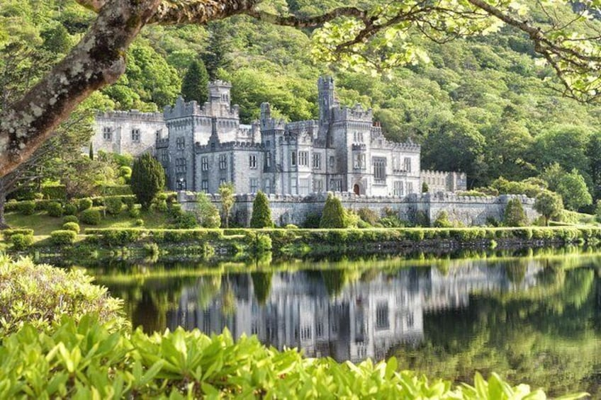 Connemara Day Trip from Galway: Kylemore Abbey and Ross Errily Friary