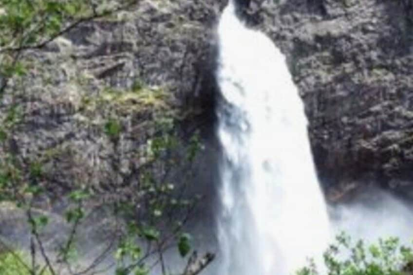 Stavanger: Waterfalls, Caves and Rock Tour By Sea