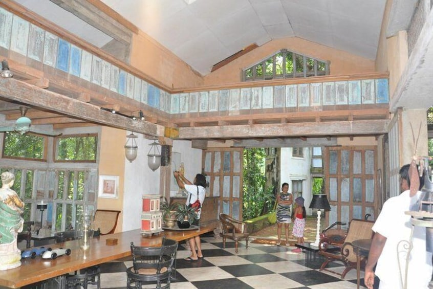 Show item 3 of 9. Lunuganga Estate