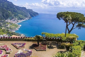 Positano and Ravello: full-day tour from Rome