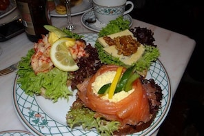 A Well Balanced Food and History Tour with Focus on the Scandinavian Kitche...