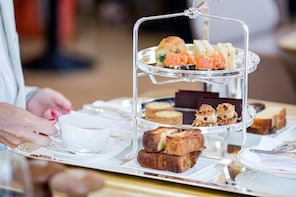 Versailles Palace Entrance Ticket and Tea Time at Ore Restaurant