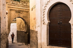 Fez in One Day: Qaraouiyine Mosque, Tanneries, Medersa & Mellah...