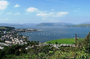 Clyde Coast Tours, see the stunning river Clyde and Argyll hills from Glasg...