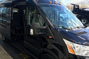 Luxury Shuttle to Woodbury Common Premium Outlets from NYC