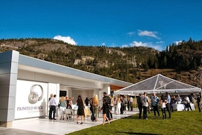 Kelowna Full-Day Private Wine Tour with Snacks and Tastings Included