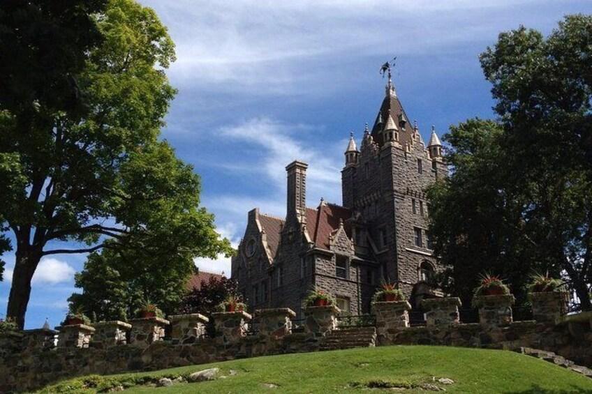 Boldt Castle and 1000 Islands Tour