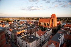 Torun Small Group Tour from Lodz with Lunch
