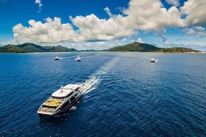 Cat Cocos: Mahe to La Digue Island Fast Ferry