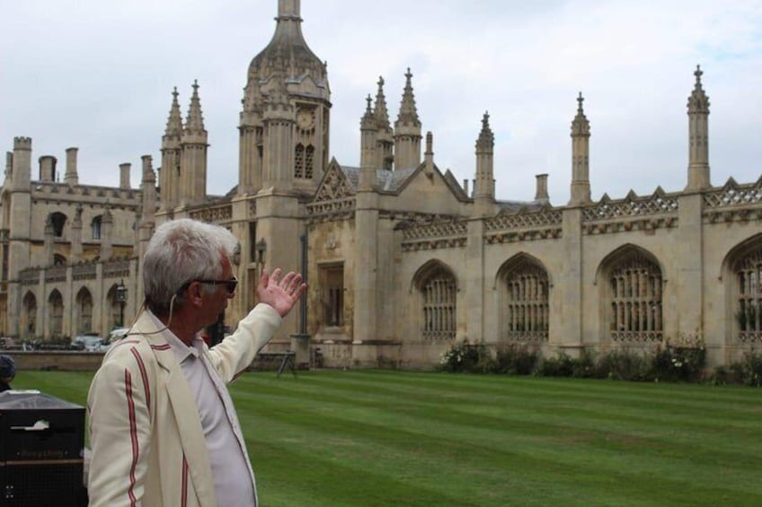 Guide and Peek outside King's College